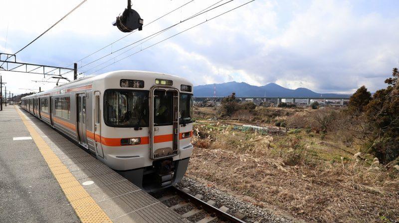 富士見駅電車
