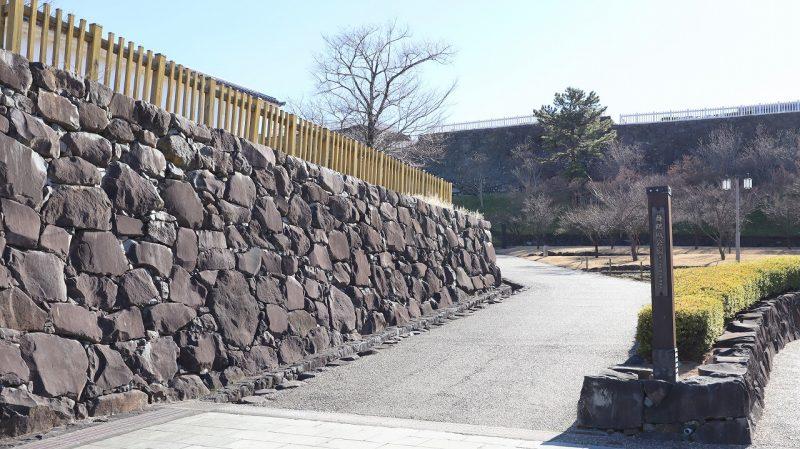 舞鶴城公園入口